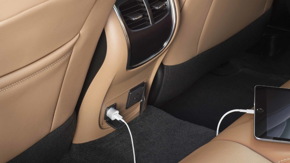 2018 lacrosse gallery interior power outlet 18BULA00080