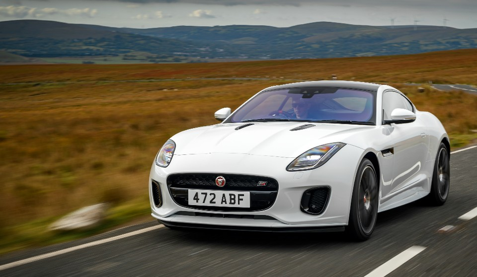f-type takes the chequered flag - 521951 - F-Type takes the chequered flag