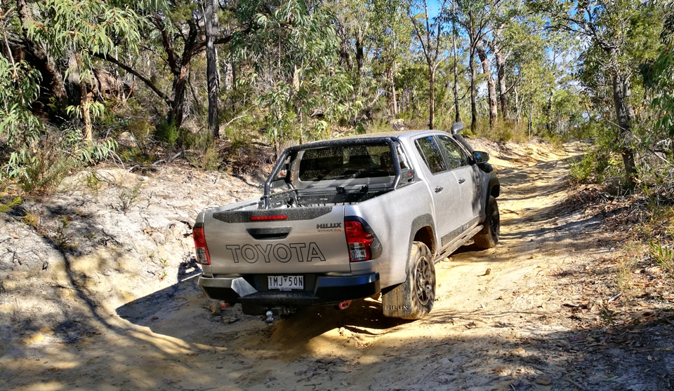 Chris HiLux Rugged X off road 1