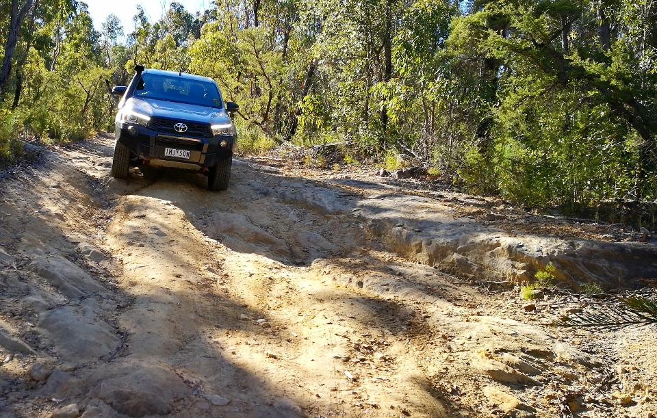 Chris HiLux Rugged X off road 2