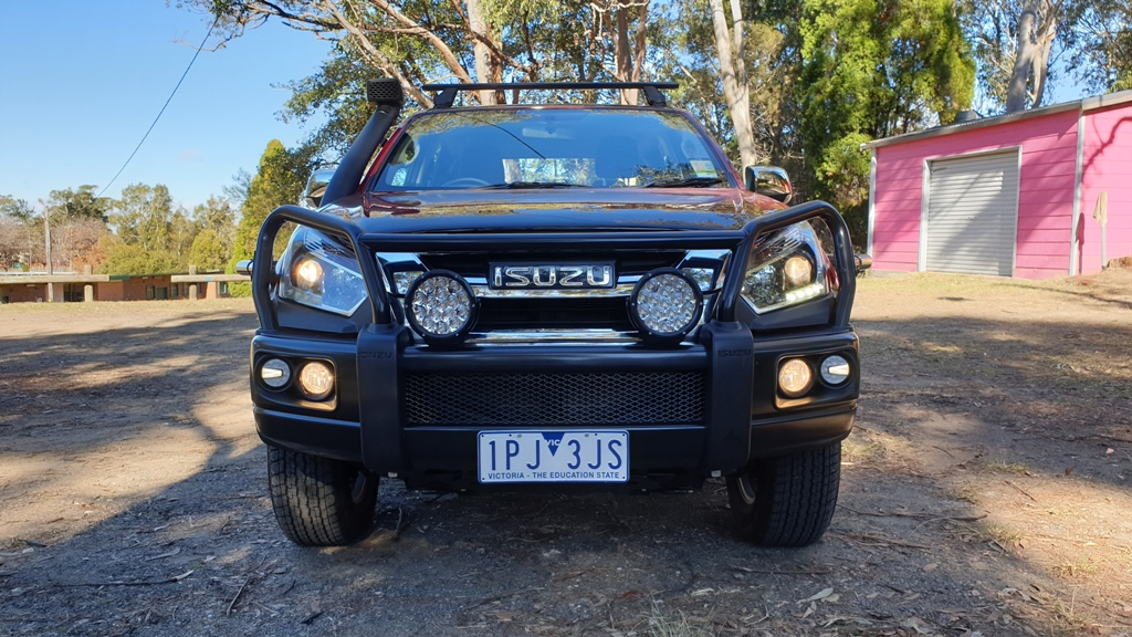 Isuzu D Max LS U front - Breakthrough tyres generate power as they turn