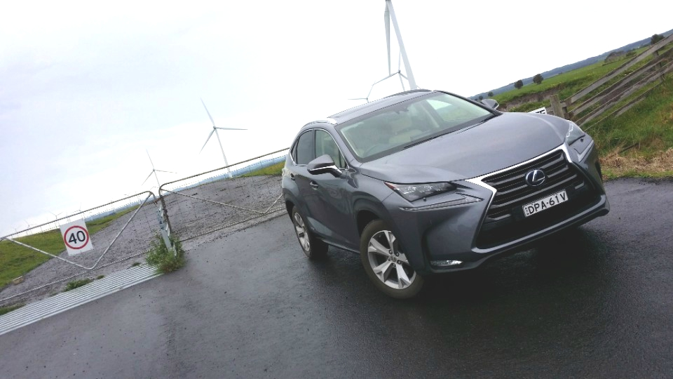 hybrid goes the distance (and the dirt) - Lexus NX 300h 3b - Hybrid goes the distance (and the dirt)