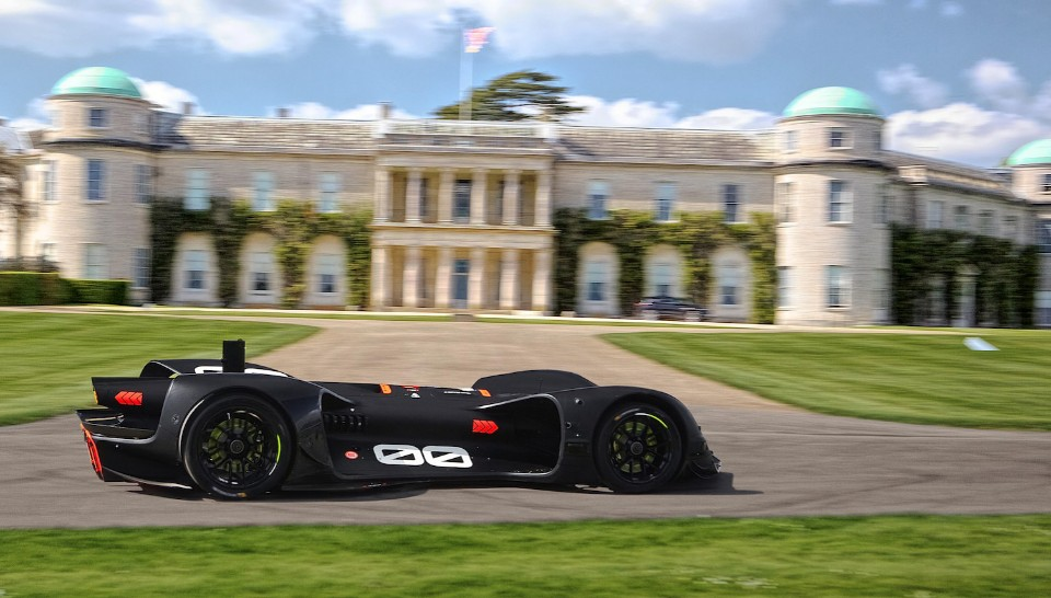 driverless car takes on hillclimb - Robocar driving by Goodwood House at testing - Driverless car takes on hillclimb