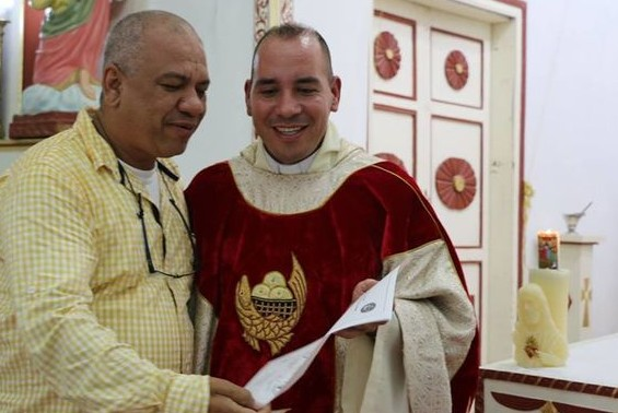 priest - fake priest Miguel Angel Ibarra 1 - Confessor confesses: 'I'm not really a priest'