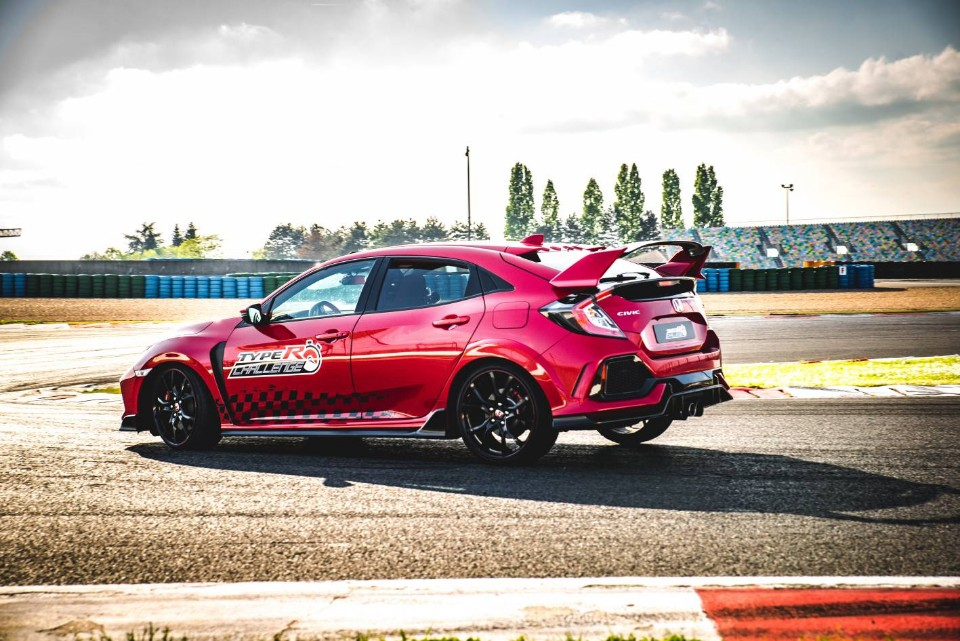 Civic Type R posts another lap record