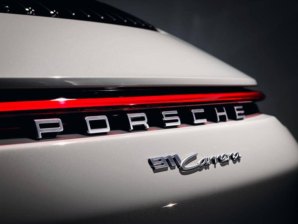 Porsche adds cheaper 911 to range