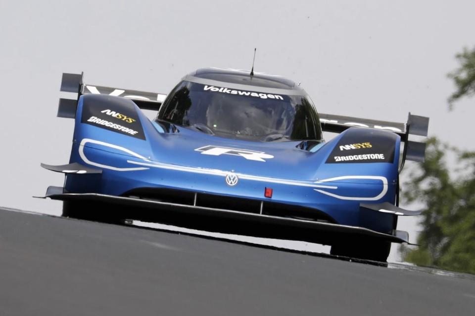 electric - vw idr nurburgring 01 - VW claims electric record for Nurburgring