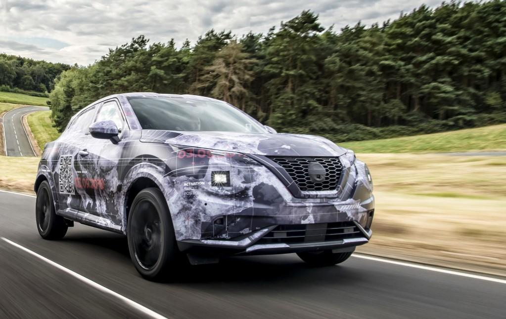 ugly - Nissan Juke Camo 01 - Nissan's ugly duckling spreads its wings