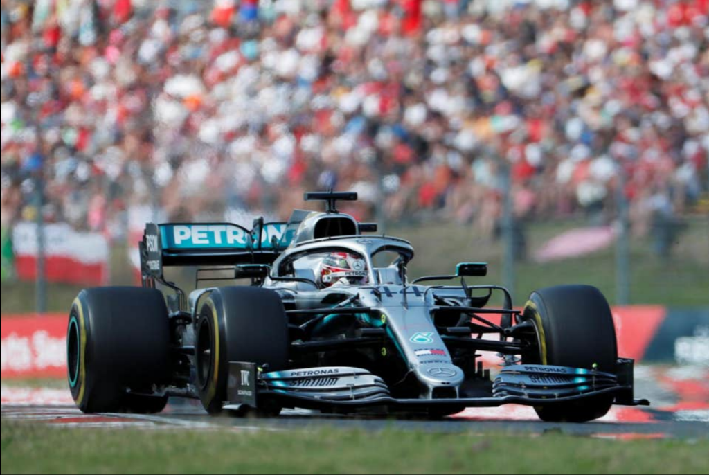 Hamilton snatches last minute victory in Hungary