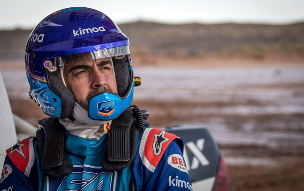 Alonso gets ready for Dakar