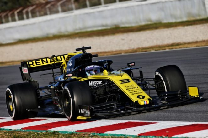 renault - daniel ricciardo renault feat 663x442 - No evidence, nothing to be gained — Renault takes it on the chin