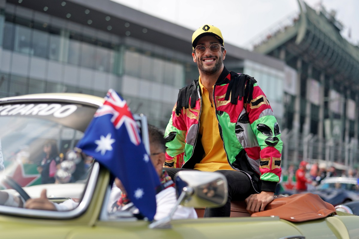 Hamilton a champion in waiting after fiery Mexican Grand Prix