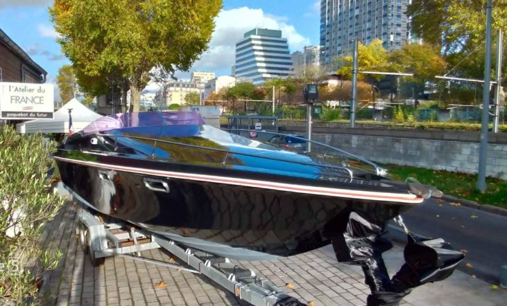 renault - renaul electric boat 03 731x442 - Renault launches 'in-Seine' electric boat