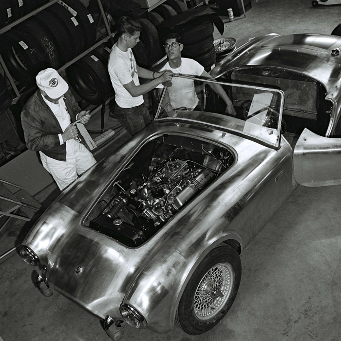 Building the first Shelby Cobra 07