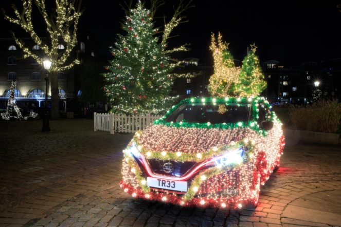 leaf - Nissan LEAF christmas tree 01 663x442 - LEAF makes light work of Christmas
