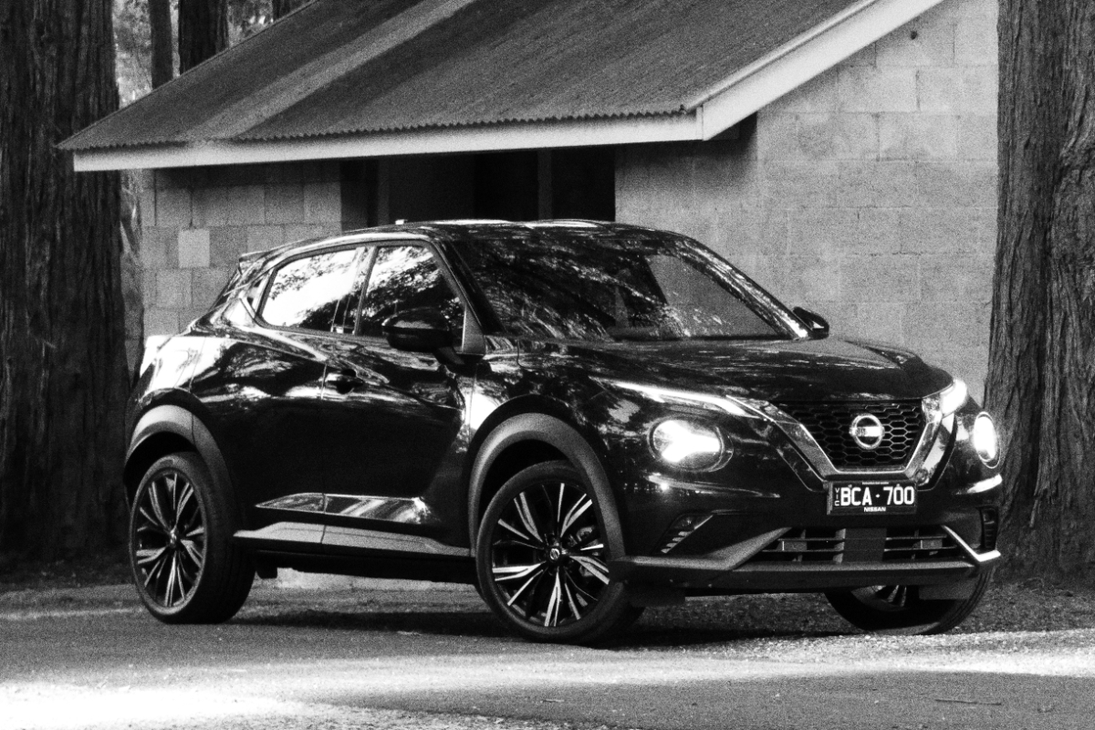 2020 Nissan Juke Ti Black 8 - Yeager up there with the Wright brothers