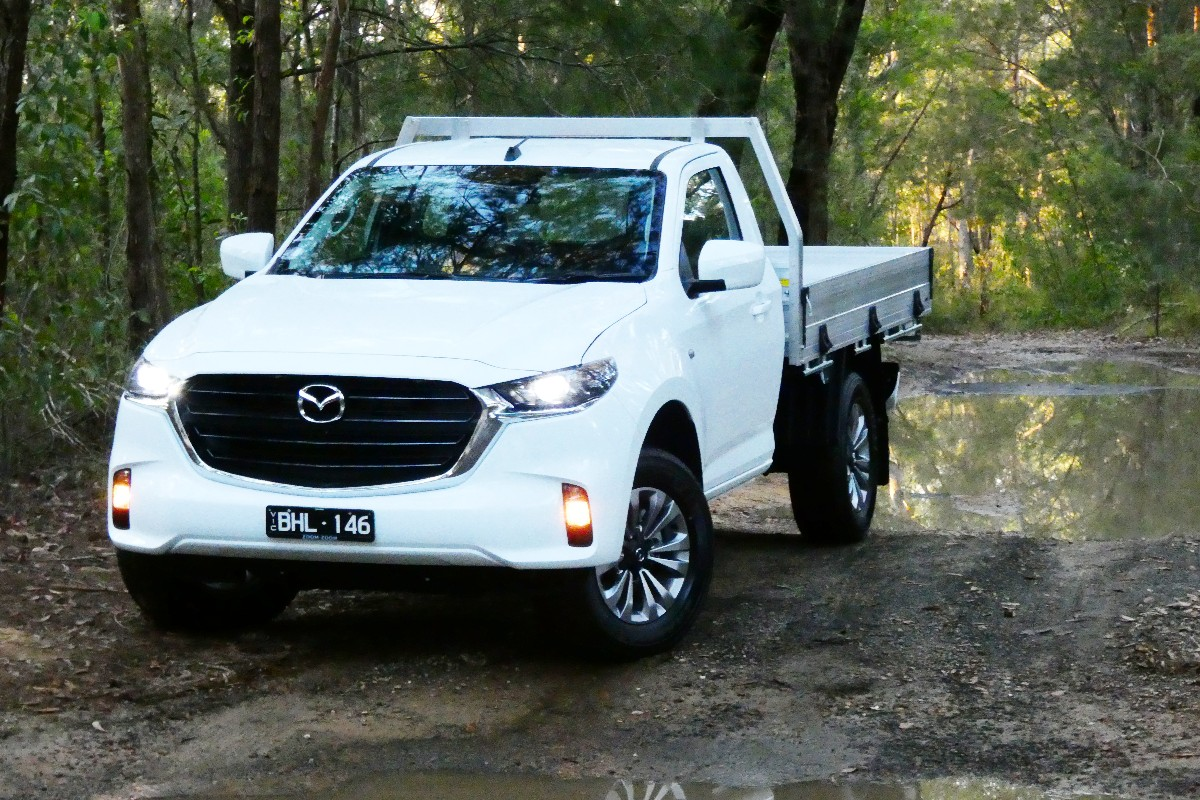 2021 Mazda BT 50 XT cab chassis 3