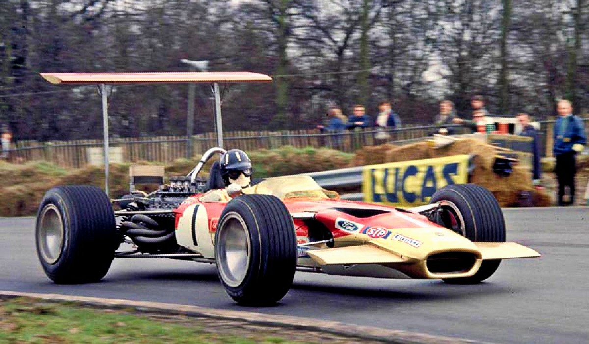 Lotus Type 49 in action
