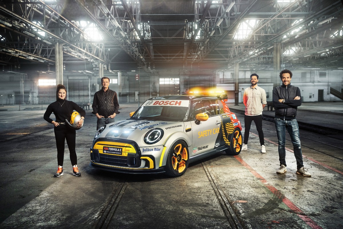 Mini Electric Pacesetter inspired by JCW 7
