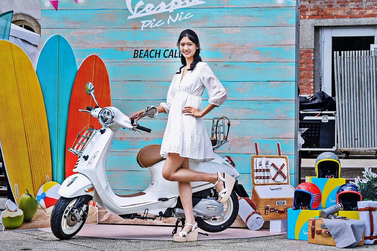 Perfect weather for a Vespa Pic Nic