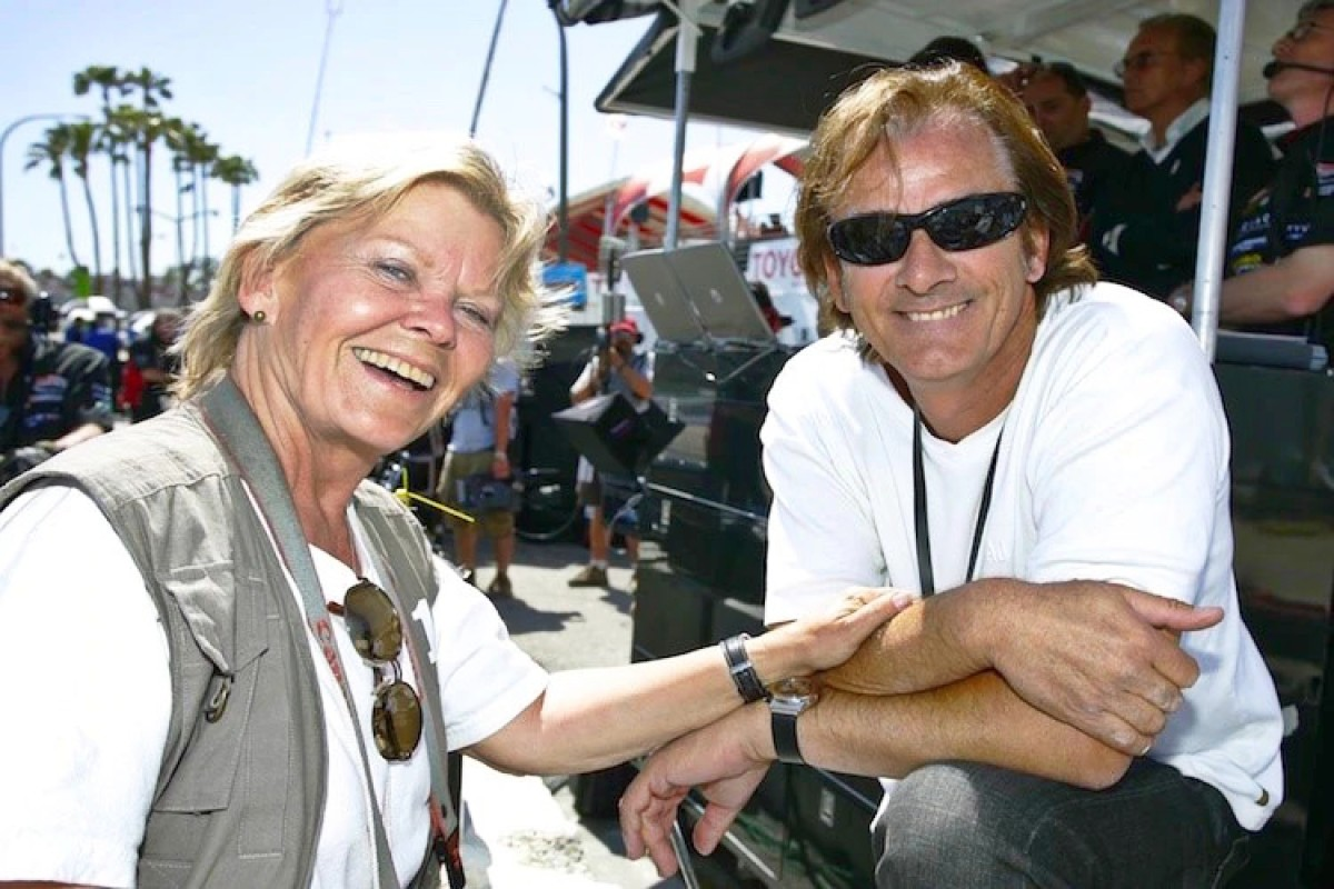 Jutta Fausel in 2007 at Long Beach with Indy 500 winner Arie Luyendyk